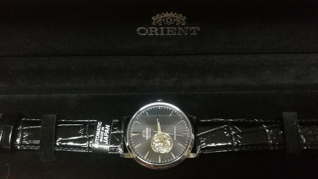 オリエント セミスケルトン(RN-AG0013B)☆オープンハートが楽しい機械式時計!
