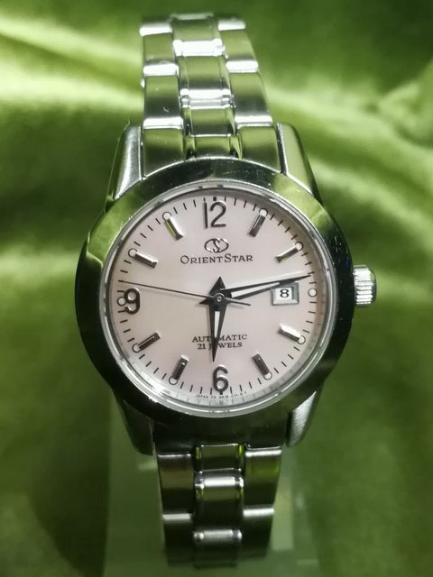 プレゼントに最適なオリエントレディース腕時計